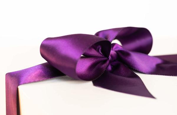 Eggplant Ribbon corner